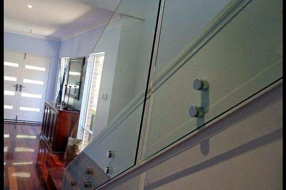 Seamless Frameless Railing Glass Installations
