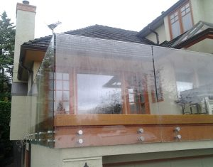 Seamless Frameless Railing Glass Installation